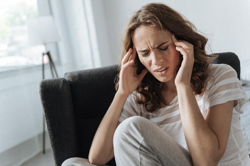 Kunne din nakke være skyld i tilbagevendende hovedpine og kæbespændinger?